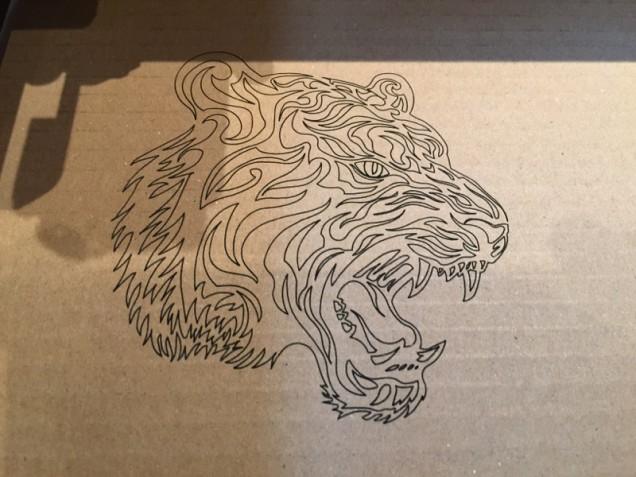 Gravure laser 5w sur carton